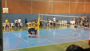 Clube Jaó/Universo levou a melhor no segundo set. (Foto: Vitor Monteiro)