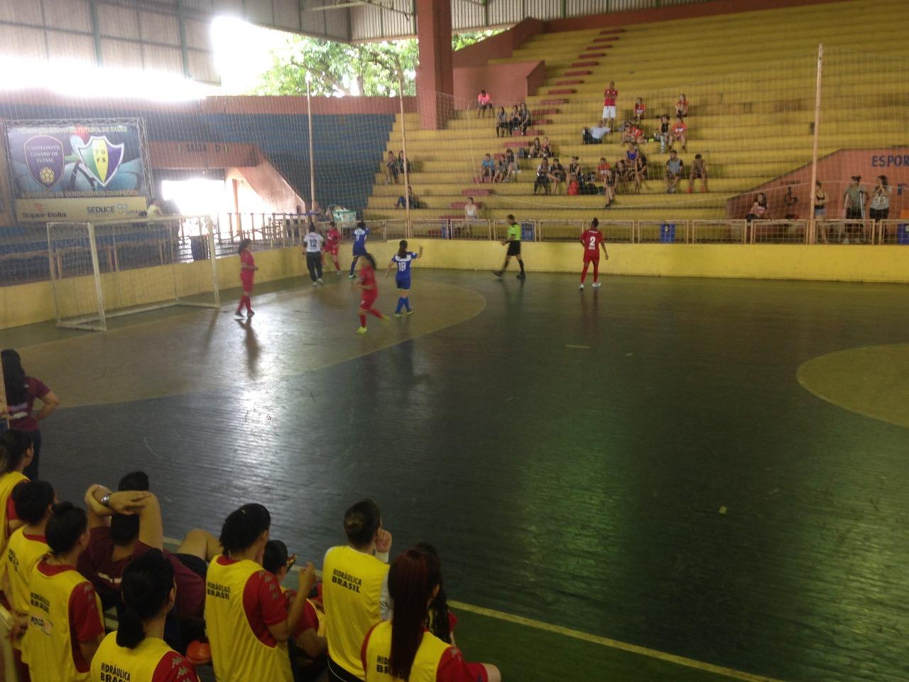 Clássico decide Goiano de Futsal feminino na noite desta terça (11) 58ce8fbba9058